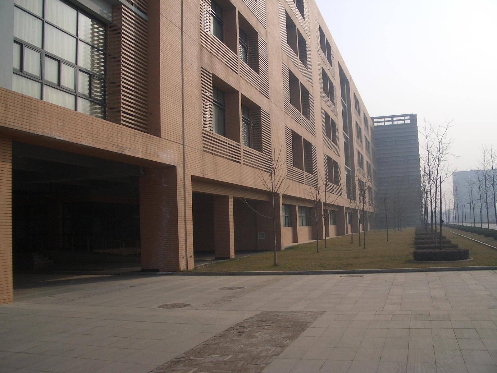 网络项目案例:西安电子科技大学网络工程 - 86